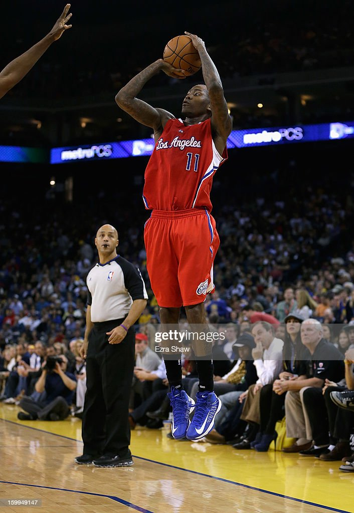 Jamal Crawford #11 of the Los Angeles Clippers in action against the Golden State Warriors at Oracle Arena on January 21, 2013 in Oakland, California.