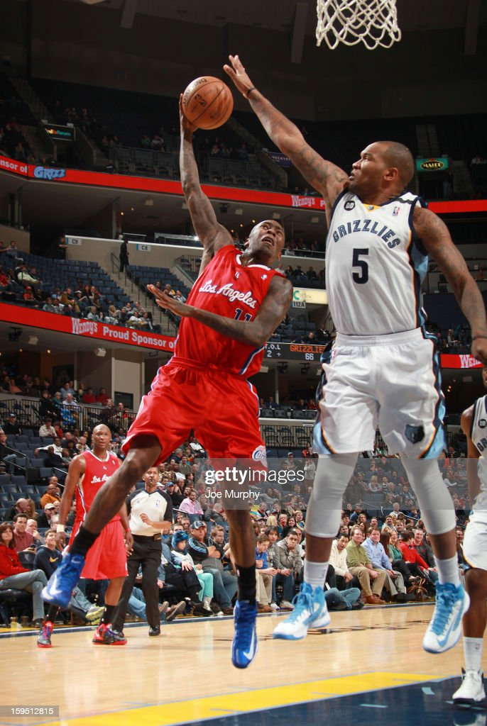 Jamal Crawford #11 of the Los Angeles Clippers shoots against Marreese Speights #5 of the Memphis Grizzlies on January 14, 2013 at FedExForum in Memphis, Tennessee.