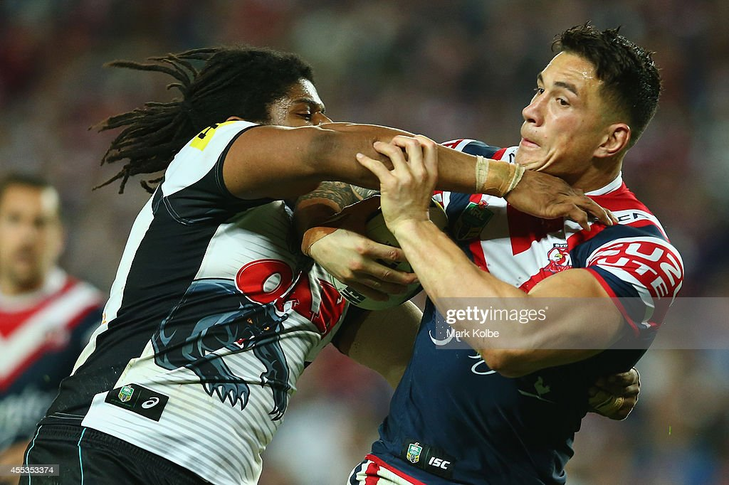 Jamal Idris of the Panthers tackles Sonny Bill Williams of the Roosters during the NRL 1st Qualifying Final match between the Sydney Roosters and the...