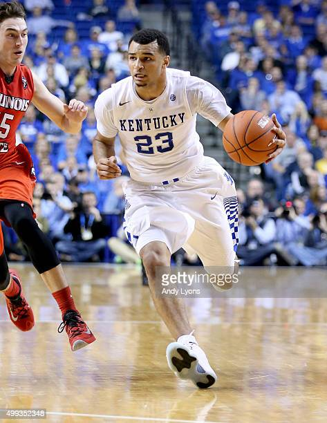 Jamal Murray of the Kentucky Wildcats dribbles the ball during the game Illinois State Redbirds at Rupp Arena on November 30 2015 in Lexington...