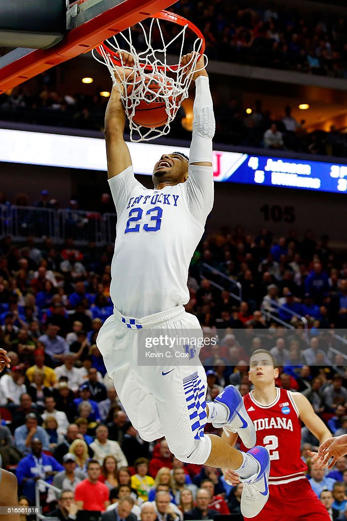 Jamal Murray #23 of the Kentucky Wildcats dunks in the first half against the Indiana Hoosiers during the second round of the 2016 NCAA Men's Basketball Tournament at Wells Fargo Arena on March 19, 2016 in Des Moines, Iowa.