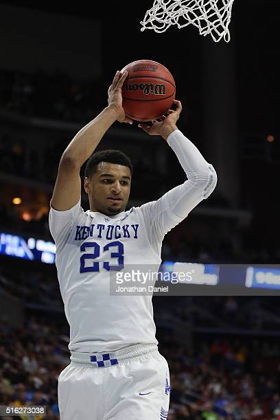 Jamal Murray of the Kentucky Wildcats rebounds against the Stony Brook Seawolves in the second half during the first round of the 2016 NCAA Men's...