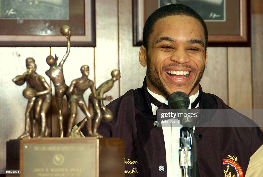 Saint Joseph's Jameer Nelson Wins John R. Wooden Award