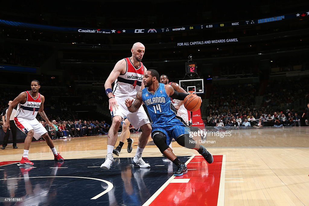 <a gi-track='captionPersonalityLinkClicked' href=/galleries/search?phrase=Jameer+Nelson&family=editorial&specificpeople=202057 ng-click='$event.stopPropagation()'>Jameer Nelson</a> #14 of the Orlando Magic drives to the basket against the Washington Wizards during the game at the Verizon Center on February 25, 2014 in Washington, DC.