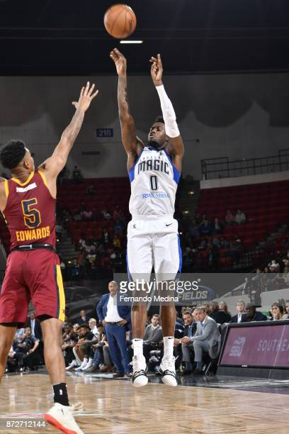 Jamel Artis of the Lakeland Magic shoots against Arthur Edwards of the Canton Charge during the game on November 10 2017 at RP Funding Center in...
