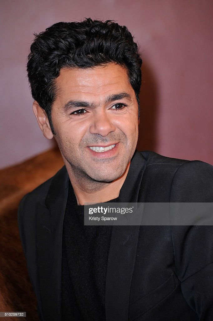 <a gi-track='captionPersonalityLinkClicked' href=/galleries/search?phrase=Jamel+Debbouze&family=editorial&specificpeople=606837 ng-click='$event.stopPropagation()'>Jamel Debbouze</a> attends the 'La Vache' Paris Premiere at Pathe Wepler on February 14, 2016 in Paris, France.