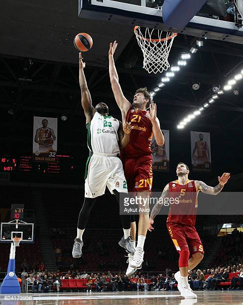 James Anderson #23 of Darussafaka Dogus Istanbul competes with Tibor Pleiss #21 of Galatasaray Odeabank Istanbul during the 2016/2017 Turkish...