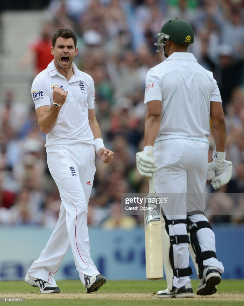 James Anderson of England celebrates dismissing <a gi-track='captionPersonalityLinkClicked' href=/galleries/search?phrase=Alviro+Petersen&family=editorial&specificpeople=4969996 ng-click='$event.stopPropagation()'>Alviro Petersen</a> of South Africa during day two of the 1st Investec Test match between England and South Africa at The Kia Oval on July 20, 2012 in London, England.