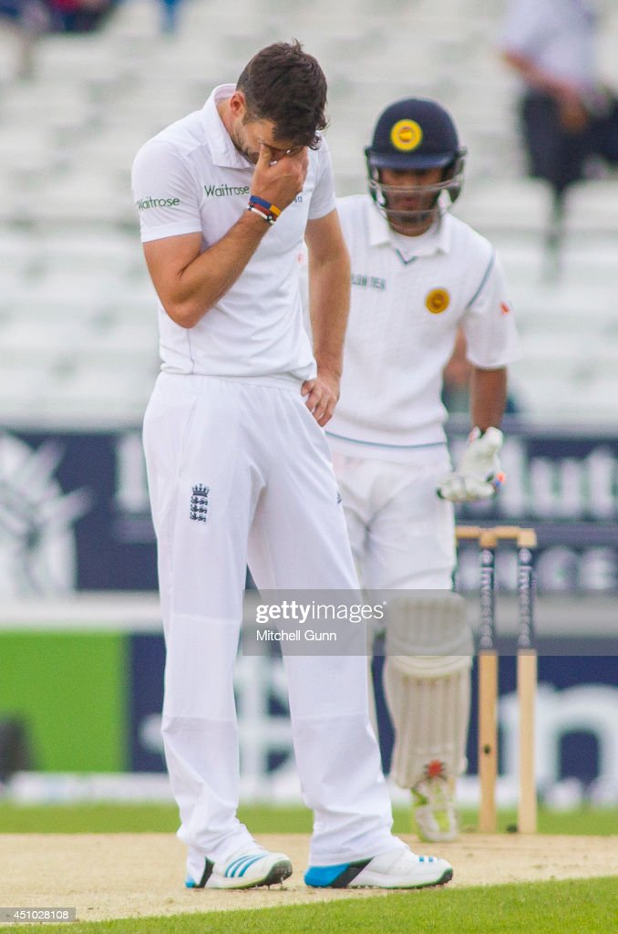 <a gi-track='captionPersonalityLinkClicked' href=/galleries/search?phrase=James+Anderson+-+Cricket+Player&family=editorial&specificpeople=6920305 ng-click='$event.stopPropagation()'>James Anderson</a> of England reacts after a dropped catch by Chris Jordan off <a gi-track='captionPersonalityLinkClicked' href=/galleries/search?phrase=Dimuth+Karunaratne&family=editorial&specificpeople=7915648 ng-click='$event.stopPropagation()'>Dimuth Karunaratne</a> of Sri Lanka during the 2nd Investec Test Match day three between England and Sri Lanka at Headingley Cricket Ground, on June 22, 2014 in Leeds, England.