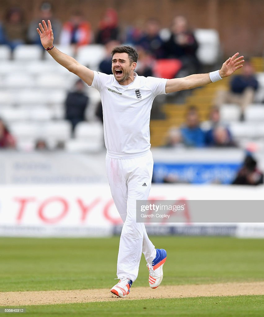 <a gi-track='captionPersonalityLinkClicked' href=/galleries/search?phrase=James+Anderson+-+Cricketspieler&family=editorial&specificpeople=6920305 ng-click='$event.stopPropagation()'>James Anderson</a> of England successfully appeals for the wicket of Rangana Herath of Sri Lanka during day four of the 2nd Investec Test match between England and Sri Lanka at Emirates Durham ICG on May 30, 2016 in Chester-le-Street, United Kingdom.