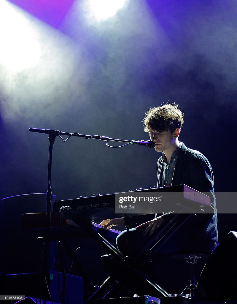 <a gi-track='captionPersonalityLinkClicked' href=/galleries/search?phrase=James+Blake+-+Musician&family=editorial&specificpeople=11469926 ng-click='$event.stopPropagation()'>James Blake</a> performs on day four of Bestival at Robin Hill Country Park on September 11, 2011 in Newport, Isle of Wight.
