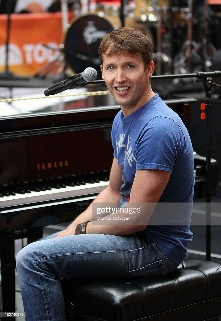<a gi-track='captionPersonalityLinkClicked' href=/galleries/search?phrase=James+Blunt&family=editorial&specificpeople=209243 ng-click='$event.stopPropagation()'>James Blunt</a> peforms on NBC's 'Today' at NBC's TODAY Show on September 16, 2013 in New York City.