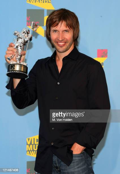 "James Blunt winner Best Male Video for ""You're Beautiful"""