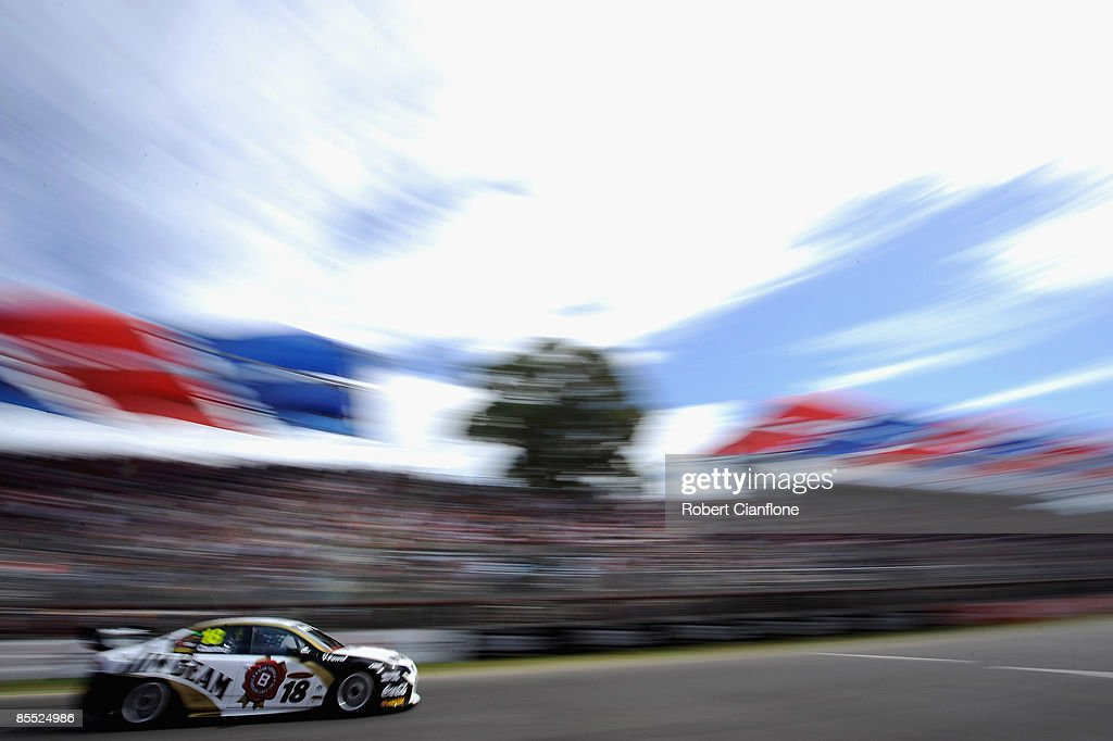 Photos Et Images De Clipsal Supercars Practice And
