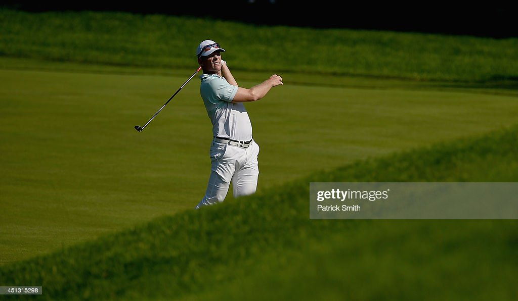 <a gi-track='captionPersonalityLinkClicked' href=/galleries/search?phrase=James+Driscoll&family=editorial&specificpeople=818192 ng-click='$event.stopPropagation()'>James Driscoll</a> of the United States watches his approach shot on the ninth hole during the second round of the Quicken Loans National at Congressional Country Club on June 27, 2014 in Bethesda, Maryland.
