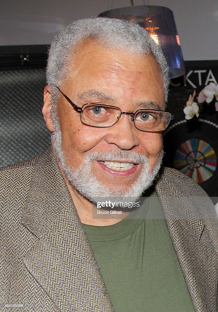 <a gi-track='captionPersonalityLinkClicked' href=/galleries/search?phrase=James+Earl+Jones&family=editorial&specificpeople=206328 ng-click='$event.stopPropagation()'>James Earl Jones</a> poses backstage at 'Hedwig and The Angry Inch' on Broadway at The Belasco Theater on May 27, 2014 in New York City.