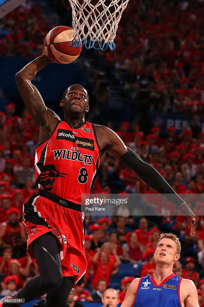 <a gi-track='captionPersonalityLinkClicked' href=/galleries/search?phrase=James+Ennis&family=editorial&specificpeople=8677438 ng-click='$event.stopPropagation()'>James Ennis</a> of the Wildcats sets for a dunk during game one of the NBL Grand Final series between the Perth Wildcats and the Adelaide 36ers at Perth Arena on April 7, 2014 in Perth, Australia.