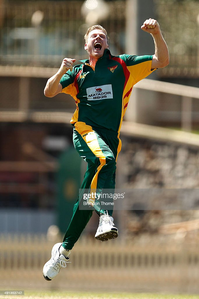 <a gi-track='captionPersonalityLinkClicked' href=/galleries/search?phrase=James+Faulkner+-+Cricketspeler&family=editorial&specificpeople=11388189 ng-click='$event.stopPropagation()'>James Faulkner</a> of Tasmania celebrates after claiming the wicket of Nathan Reardon of Qld during the Matador BBQs One Day Cup match between Queensland and Tasmania at North Sydney Oval on October 5, 2015 in Sydney, Australia.