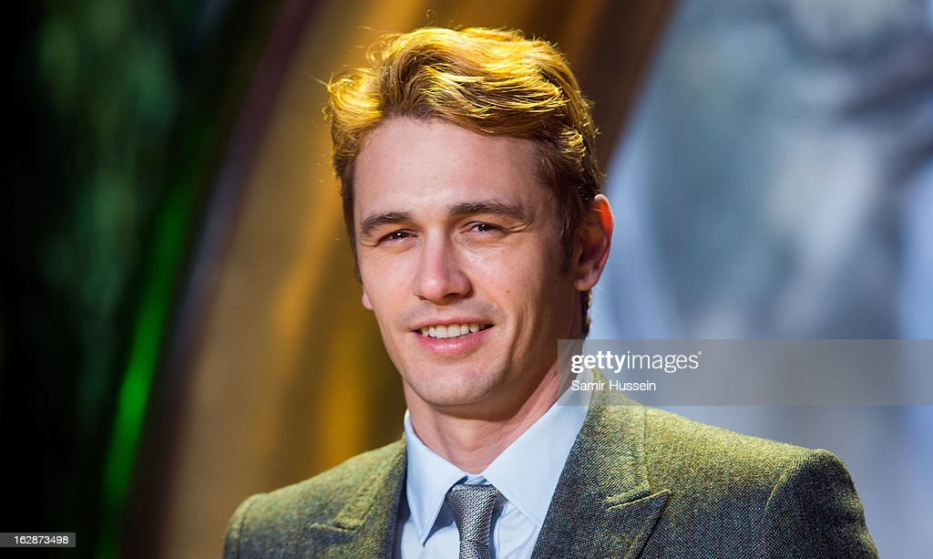 <a gi-track='captionPersonalityLinkClicked' href=/galleries/search?phrase=James+Franco&family=editorial&specificpeople=577480 ng-click='$event.stopPropagation()'>James Franco</a> arrives for the 'Oz: The Great And Powerful' European premiere at the Empire Leicester Square on February 28, 2013 in London, England.