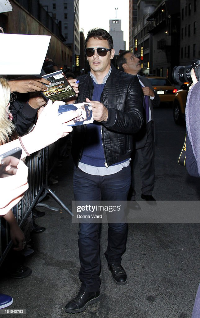 <a gi-track='captionPersonalityLinkClicked' href=/galleries/search?phrase=James+Franco&family=editorial&specificpeople=577480 ng-click='$event.stopPropagation()'>James Franco</a> leaves the 'Late Show with David Lettterman' at Ed Sullivan Theater on October 14, 2013 in New York City.