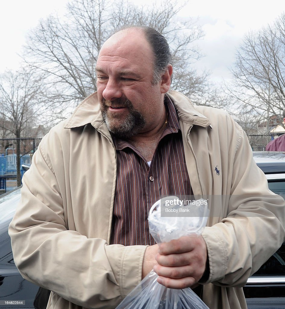 <a gi-track='captionPersonalityLinkClicked' href=/galleries/search?phrase=James+Gandolfini&family=editorial&specificpeople=171463 ng-click='$event.stopPropagation()'>James Gandolfini</a>i filming on location for 'Animal Rescue' on March 28, 2013 in the Brooklyn borough of New York City.