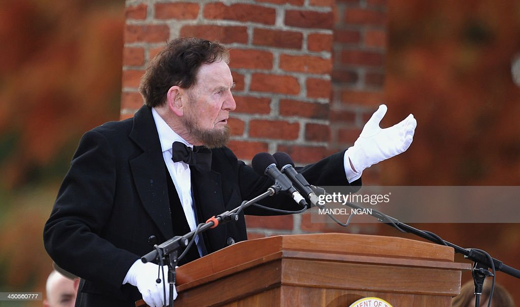 James Getty, portraying the 16th president of the US Abraham Lincoln, recites the Gettysburg Address during the commemoration of the 150th anniversary Lincolns historic Gettysburg Address on November 19, 2013 at Gettysburg National Military Park in Gettysburg, Pennsylvania. AFP PHOTO/Mandel NGAN