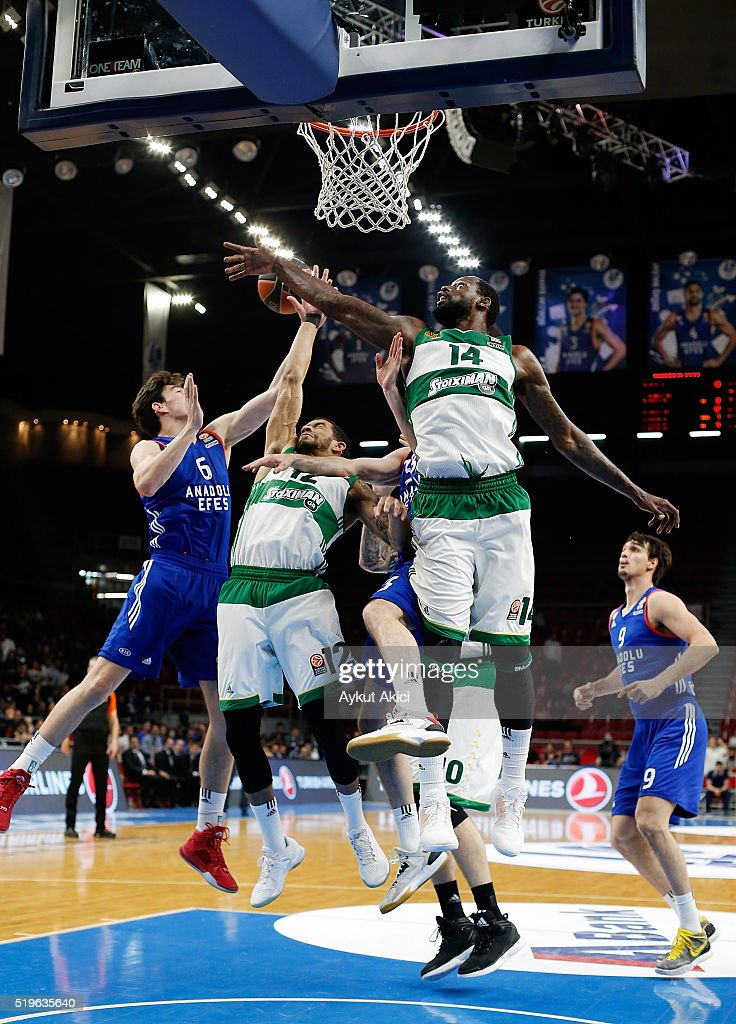 James Gist #14 of Panathinaikos Athens in action during the 20152016 Turkish Airlines Euroleague Basketball Top 16 Round 14 game between Anadolu Efes...