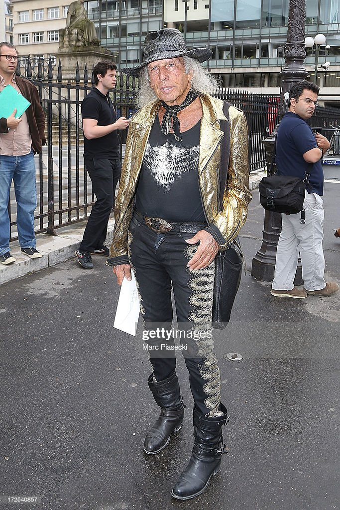 <a gi-track='captionPersonalityLinkClicked' href=/galleries/search?phrase=James+Goldstein&family=editorial&specificpeople=712878 ng-click='$event.stopPropagation()'>James Goldstein</a> attends the Elie Saab show as part of Paris Fashion Week Haute-Couture Fall/Winter 2013-2014 at Palais Brongniart on July 3, 2013 in Paris, France.