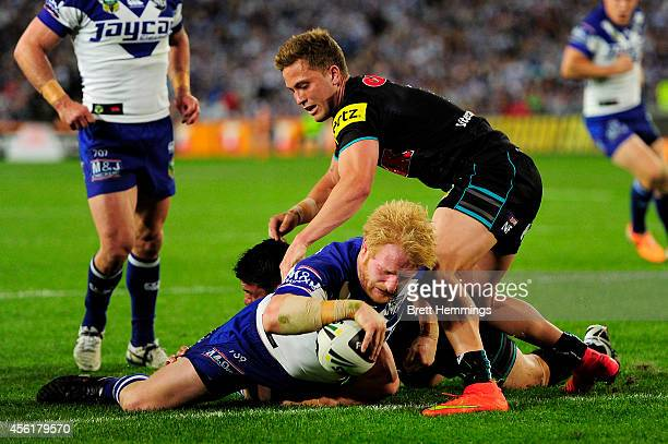 James Graham of the Bulldogs scores a try during the NRL Second Preliminary Final match between the Penrith Panthers and the Canterbury Bulldogs at...