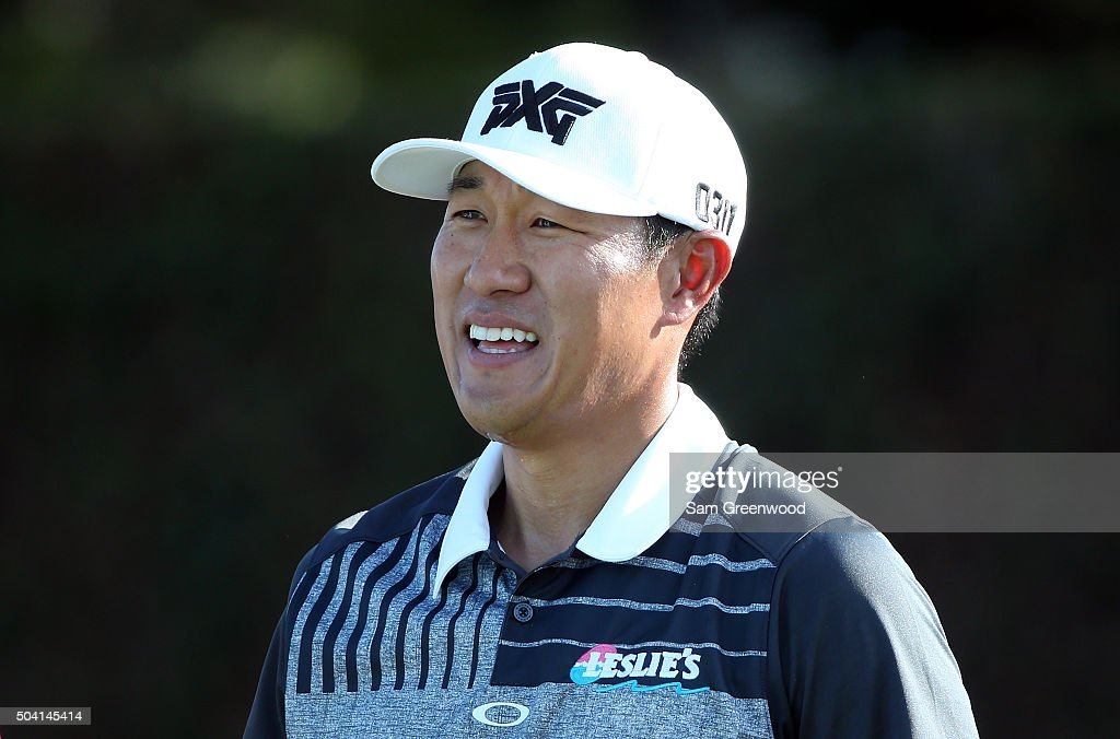 <a gi-track='captionPersonalityLinkClicked' href=/galleries/search?phrase=James+Hahn+-+Golfer&family=editorial&specificpeople=15809875 ng-click='$event.stopPropagation()'>James Hahn</a> prepares to play his shot from the first tee during round two of the Hyundai Tournament of Champions at the Plantation Course at Kapalua Golf Club on January 8, 2016 in Lahaina, Hawaii.