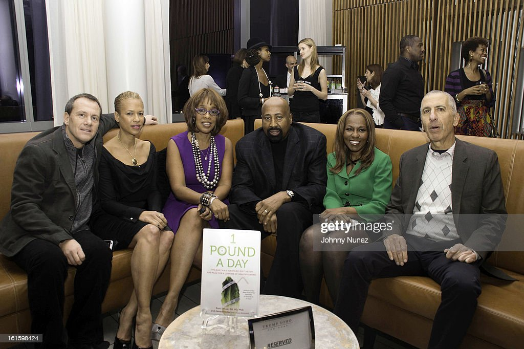 James Hester, <a gi-track='captionPersonalityLinkClicked' href=/galleries/search?phrase=Tonya+Lewis+Lee&family=editorial&specificpeople=591625 ng-click='$event.stopPropagation()'>Tonya Lewis Lee</a>, <a gi-track='captionPersonalityLinkClicked' href=/galleries/search?phrase=Gayle+King&family=editorial&specificpeople=215469 ng-click='$event.stopPropagation()'>Gayle King</a>, <a gi-track='captionPersonalityLinkClicked' href=/galleries/search?phrase=Mike+Woodson&family=editorial&specificpeople=213194 ng-click='$event.stopPropagation()'>Mike Woodson</a>, Roni DeLuz, and guest attend the '1 Pound A Day: Martha's Vineyard Diet Detox' Pre-Launch Book Party at Trump SoHo on February 11, 2013 in New York City.