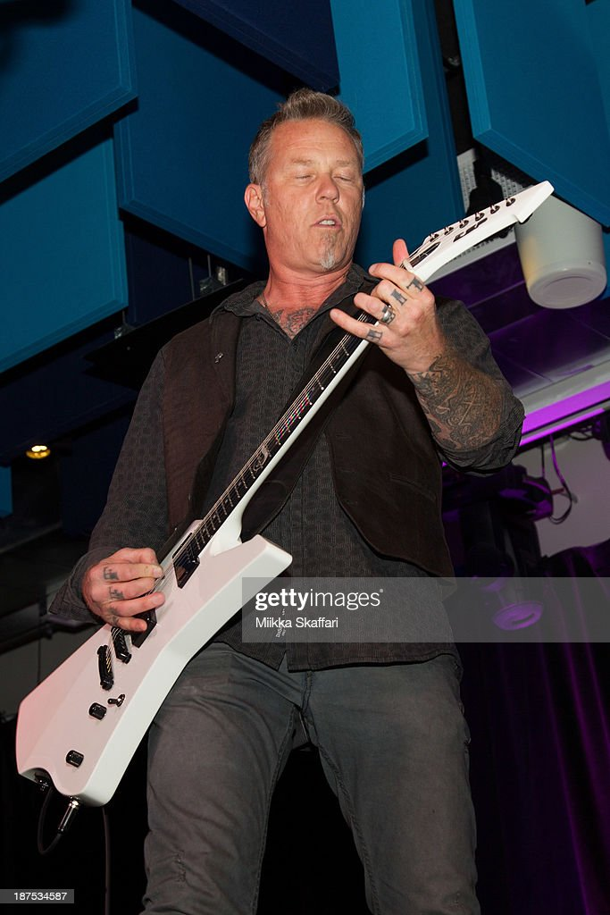 <a gi-track='captionPersonalityLinkClicked' href=/galleries/search?phrase=James+Hetfield&family=editorial&specificpeople=178297 ng-click='$event.stopPropagation()'>James Hetfield</a> performs at Little Kids Rock fundraiser in Facebook HQ on November 9, 2013 in Menlo Park, California.