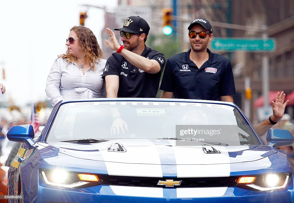 <a gi-track='captionPersonalityLinkClicked' href=/galleries/search?phrase=James+Hinchcliffe&family=editorial&specificpeople=4024510 ng-click='$event.stopPropagation()'>James Hinchcliffe</a> of Canada, driver of the #5 Honda Dallara, waves during a parade ahead of the 100th running of the Indianapolis 500 at on May 28, 2016 in Indianapolis, Indiana.