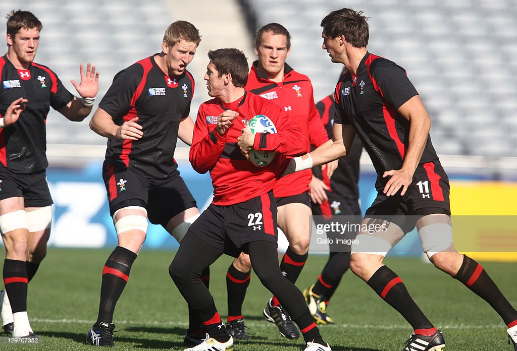 <a gi-track='captionPersonalityLinkClicked' href=/galleries/search?phrase=James+Hook&family=editorial&specificpeople=710391 ng-click='$event.stopPropagation()'>James Hook</a> in action during the Welsh national rugby team Captain's Run at Eden Park on October 20, 2011 in Auckland, New Zealand.