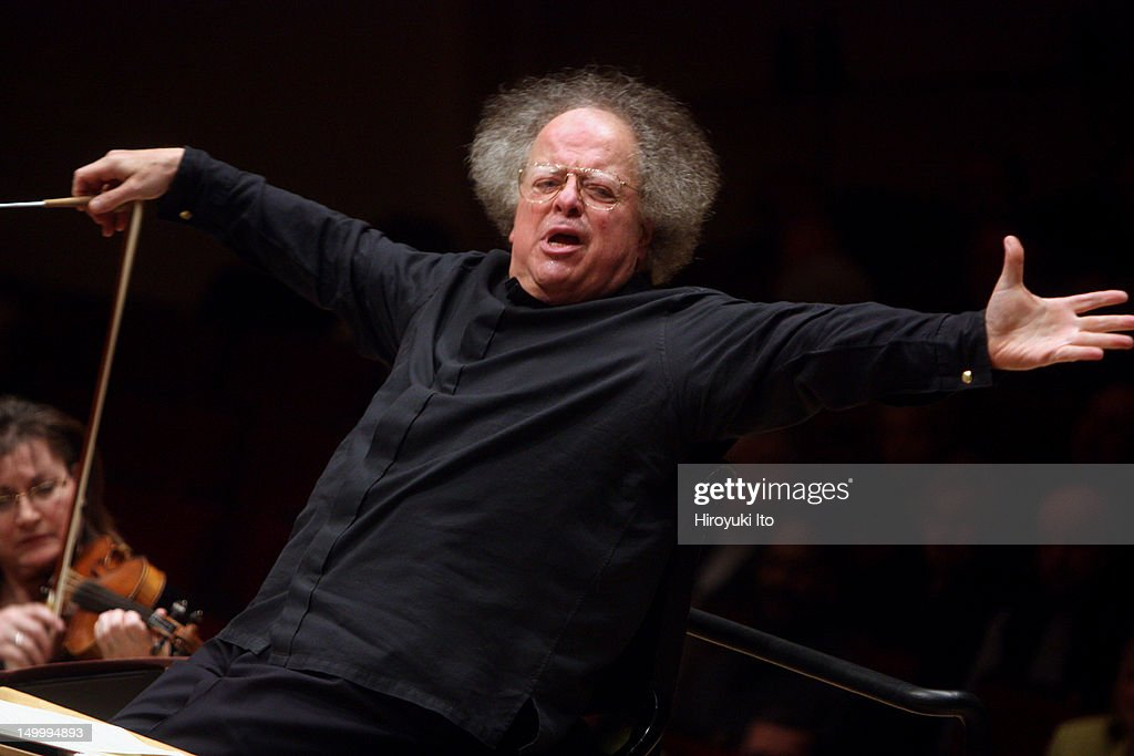 <a gi-track='captionPersonalityLinkClicked' href=/galleries/search?phrase=James+Levine+-+Conductor&family=editorial&specificpeople=220716 ng-click='$event.stopPropagation()'>James Levine</a> conducting the Met Orchestra in Mozart's 'Serenade No. 9 in D Major' at Carnegie Hall on Sunday afternoon, January 23, 2011.