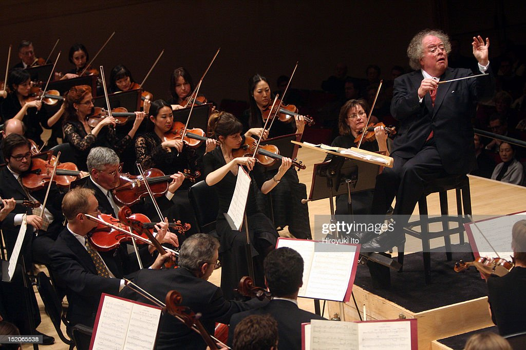 <a gi-track='captionPersonalityLinkClicked' href=/galleries/search?phrase=James+Levine+-+Conductor&family=editorial&specificpeople=220716 ng-click='$event.stopPropagation()'>James Levine</a> leading the Met Orchestra in Mahler's 'Symphony No. 5' at Carnegie Hall on Sunday afternoon, December 20, 2009.
