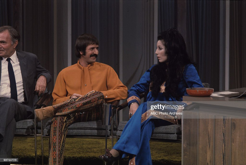 SHOW - (1968) James Mason, Sonny & Cher