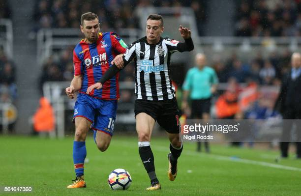 James McArthur of Crystal Palace and Javi Manquillo of Newcastle United during the Premier League match between Newcastle United and Crystal Palace...