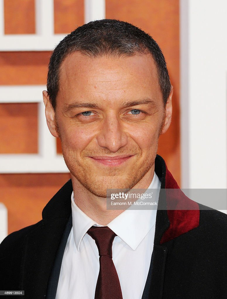 <a gi-track='captionPersonalityLinkClicked' href=/galleries/search?phrase=James+McAvoy&family=editorial&specificpeople=647005 ng-click='$event.stopPropagation()'>James McAvoy</a> attends the European premiere of 'The Martian' at Odeon Leicester Square on September 24, 2015 in London, England.