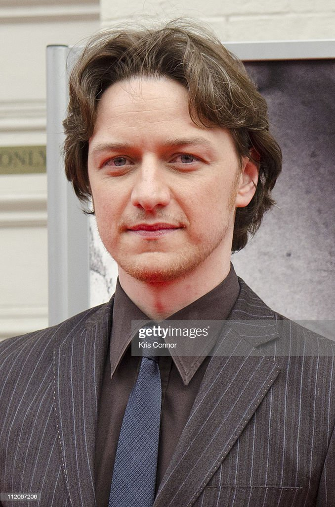 <a gi-track='captionPersonalityLinkClicked' href=/galleries/search?phrase=James+McAvoy&family=editorial&specificpeople=647005 ng-click='$event.stopPropagation()'>James McAvoy</a> poses for photographers on the red carpet during the premiere of 'The Conspirator' presented by The American Film Company, Ford's Theatre and Roadside Attractions at Ford's Theatre on April 10, 2011 in Washington, DC.