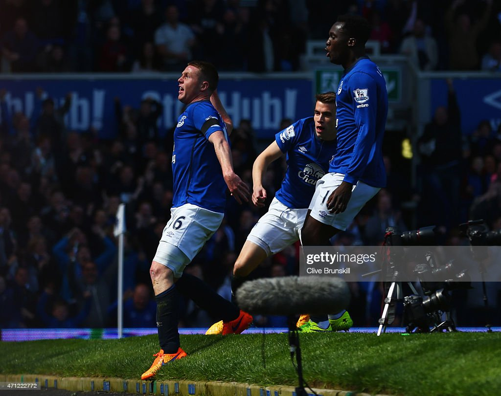 James McCarthy of Everton (16) celebrates with Seamus Coleman (C) and Romelu Lukaku (R) as he scores their first goal during the Barclays Premier League match between Everton and Manchester United at Goodison Park on April 26, 2015 in Liverpool, England.