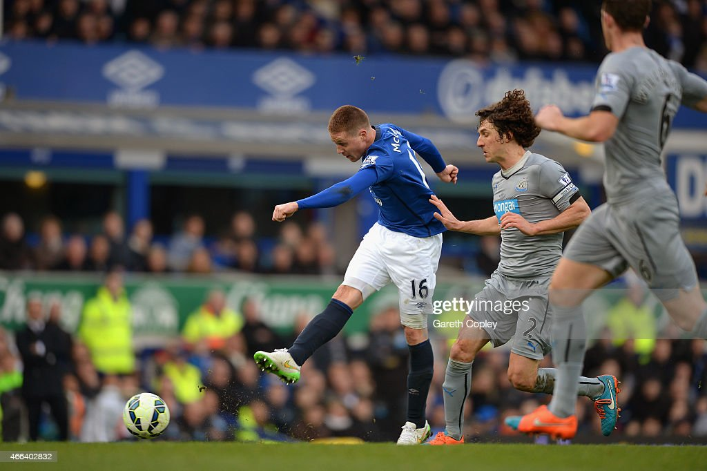 James McCarthy of Everton scores the opening goal during the Barclays Premier League match between Everton and Newcastle United at Goodison Park on March 15, 2015 in Liverpool, England.