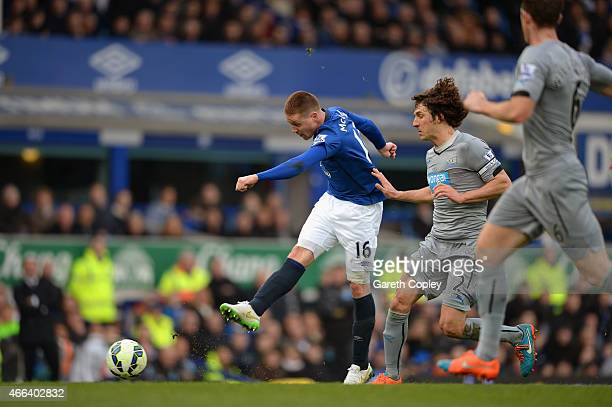 James McCarthy of Everton scores the opening goal during the Barclays Premier League match between Everton and Newcastle United at Goodison Park on...