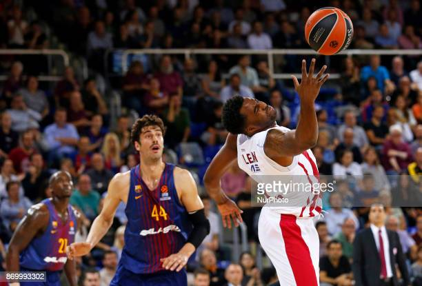 James McLean and Ante Tomic during the match between FC Barcelona v Olympiakos BC corresponding to the week 5 of the basketball Euroleaguein...