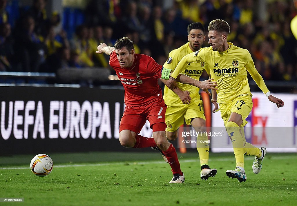 James Milner of Liverpool competes with Samu Castillejo of Villarreal during the UEFA Europa League Semi Final: First Leg match between Villarreal CF and Liverpool on April 28, 2016 in Villarreal, Spain.