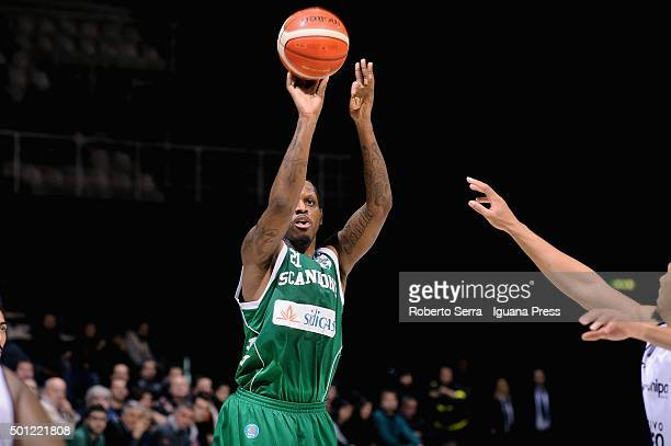 James Nunnally of Sidigas in action during the LegaBasket match between Virtus Obiettivo Lavoro Bologna and Scandone Sidigas Avellino at Unipol Arena...