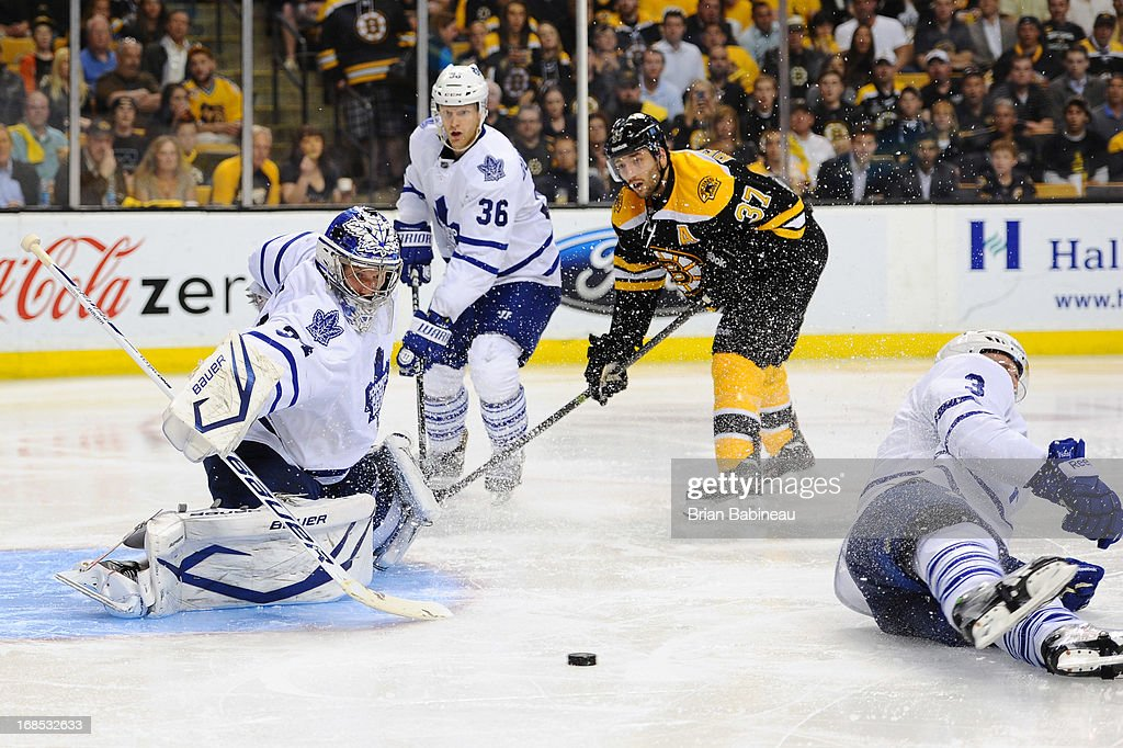 James Reimer #34 of the Toronto Maple Leafs watches the loose puck against the Boston Bruins in Game Five of the Eastern Conference Quarterfinals during the 2013 NHL Stanley Cup Playoffs at TD Garden on May 10, 2013 in Boston, Massachusetts.