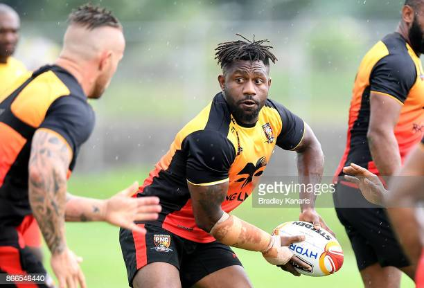 James Segeyaro looks to pass during a PNG Rugby League World Cup training session at the Oil Search National Football Stadium on October 26 2017 in...