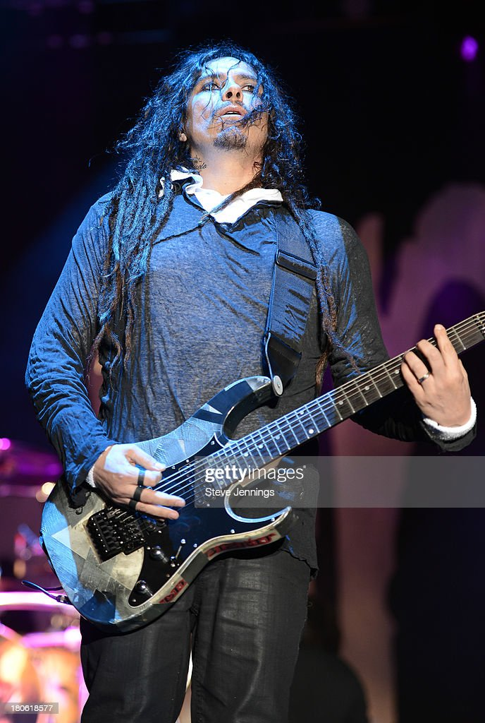 <a gi-track='captionPersonalityLinkClicked' href=/galleries/search?phrase=James+Shaffer&family=editorial&specificpeople=573015 ng-click='$event.stopPropagation()'>James Shaffer</a> of Korn performs on Day 1 of Monster Energy Aftershock Festival at Discovery Park on September 14, 2013 in Sacramento, California.