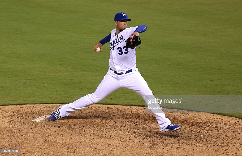 James Shields #33 of the Kansas City Royals throws in the fifth inning against the Minnesota Twins at Kauffman Stadium on July 29, 2014 in Kansas City, Missouri.